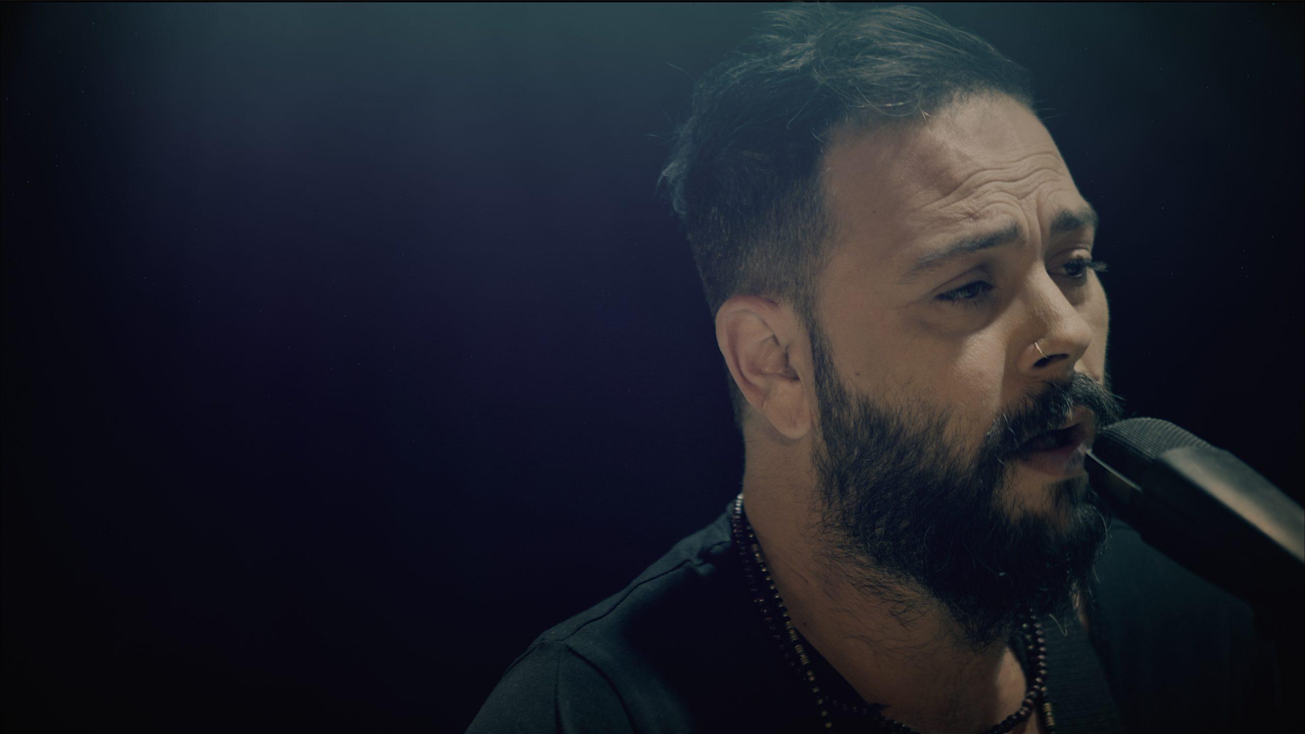 אור שר מתוך הוידאו קליפ של הסינגל החדש.